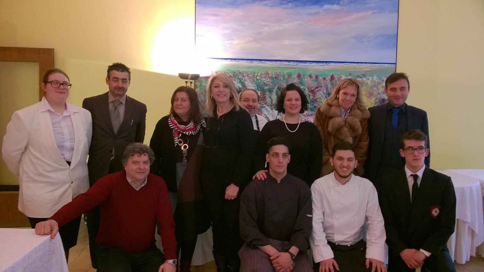 Istituto alberghiero Minuto, foto di gruppo con i vincitori