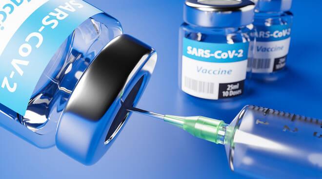 Vaccini: dalle ore 17 di oggi, 11 maggio, agende aperte per 1962 e 1963