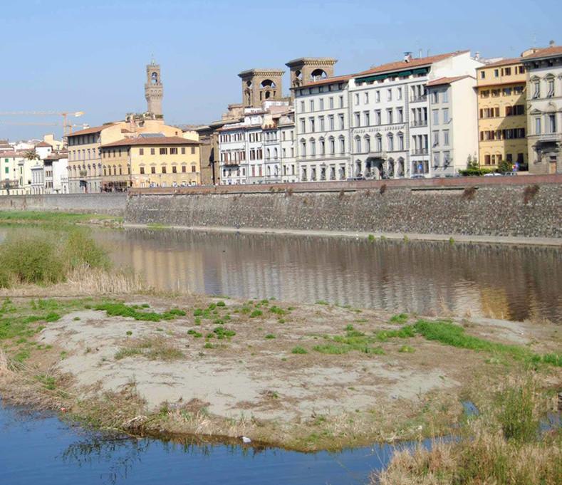 L'Arno in secca