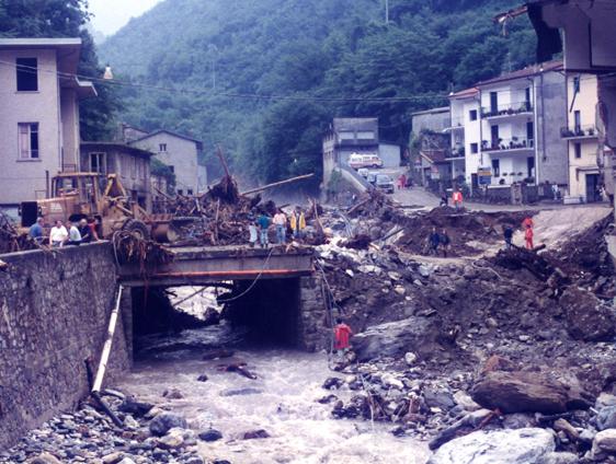 Cardoso dopo l'alluvione del 19 giugno 1996