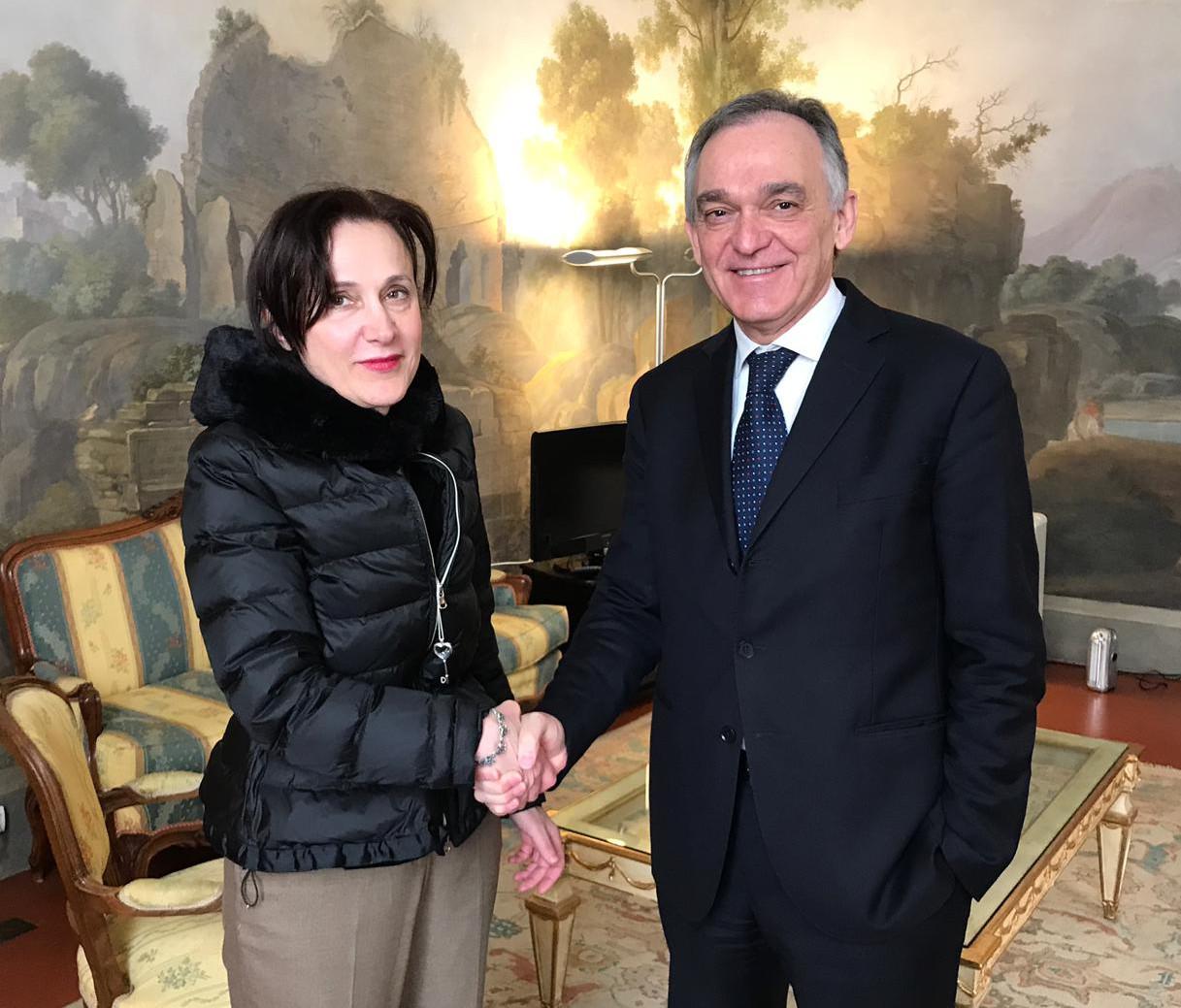 Maria Letizia Casani con il presidente Enrico Rossi