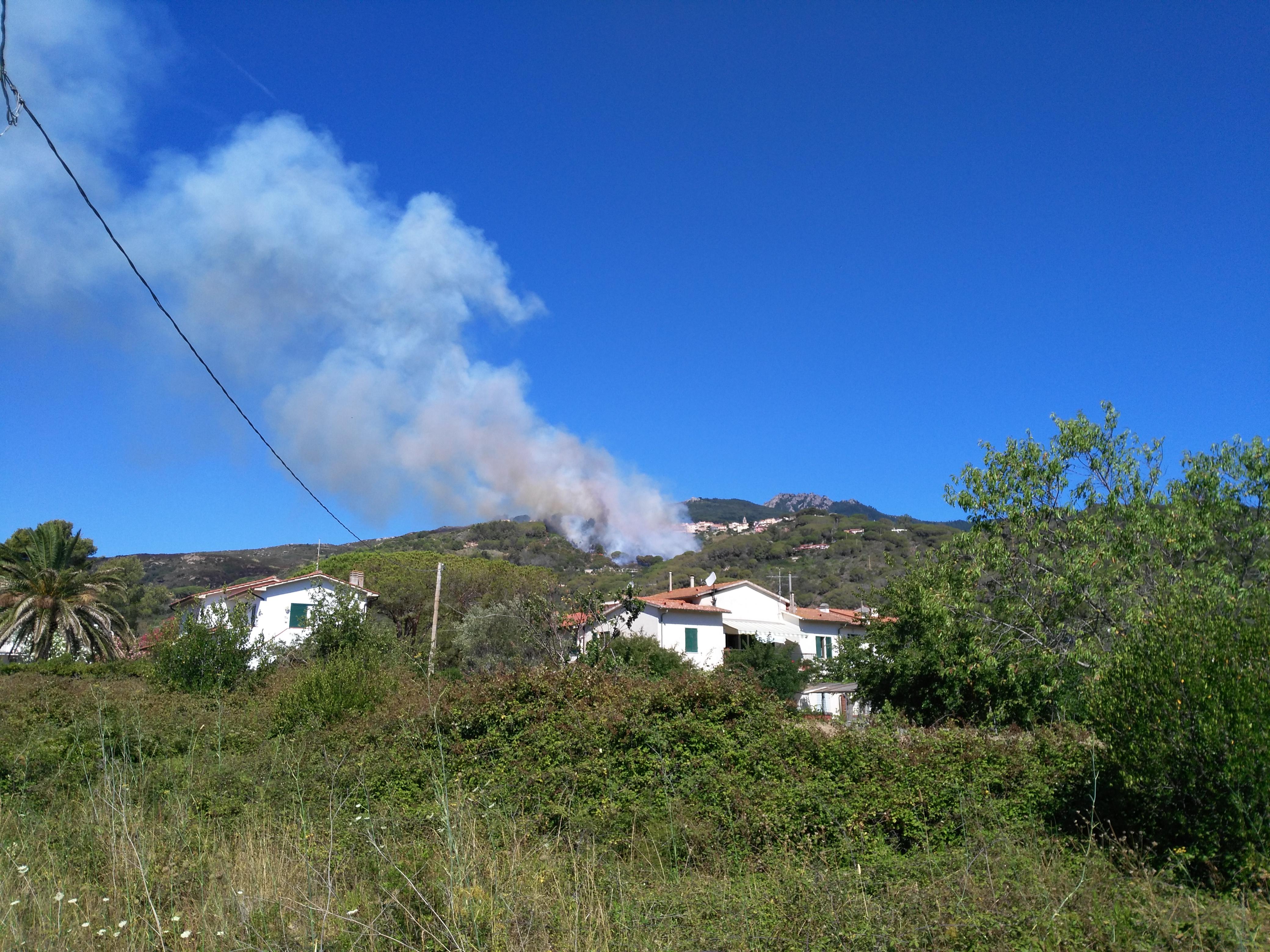 L'incendio di Marina di Campo